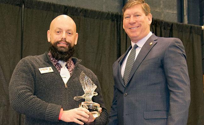 PestVets honors Georgia Members of the Year, presents donation